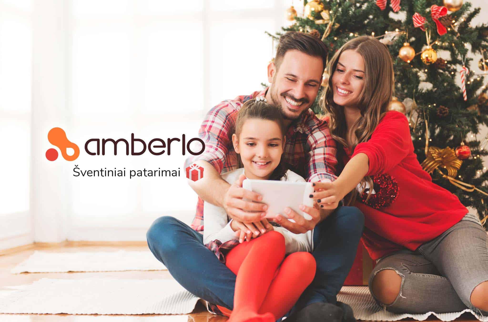 Christmas with smiling people blog image