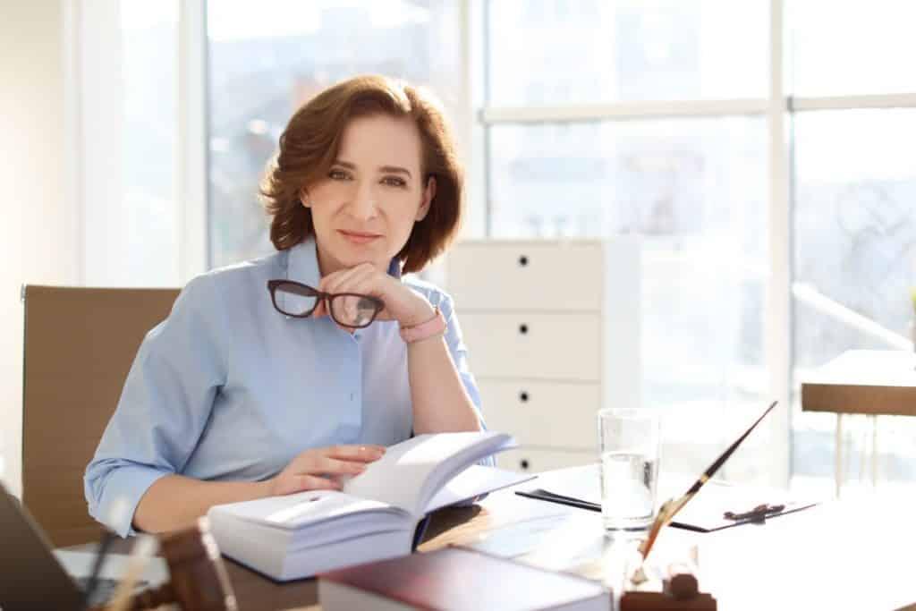 Jakie istnieją specjalizacje w branży usług prawnych?