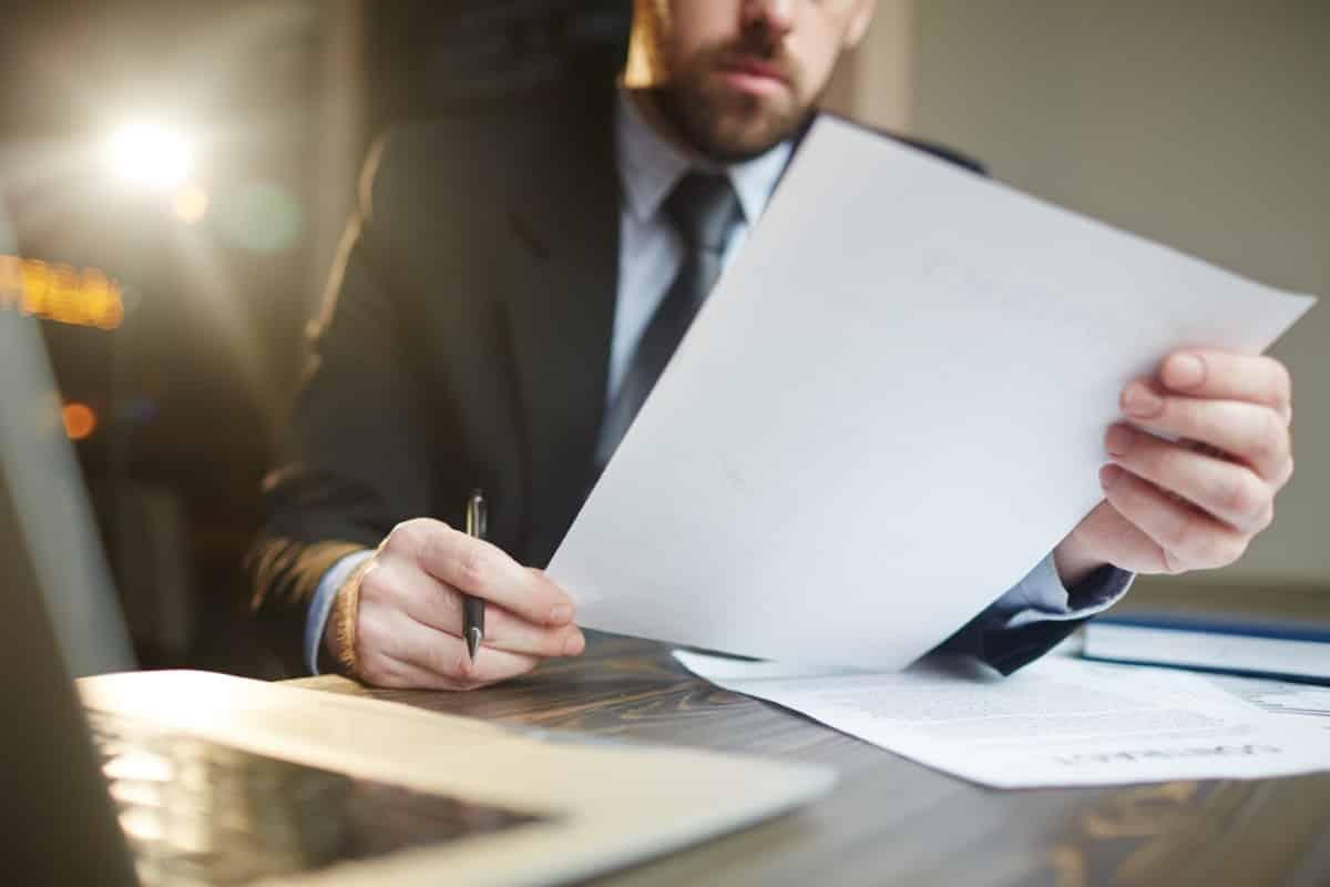 Ile pracuje prawnik? Godziny pracy prawnika