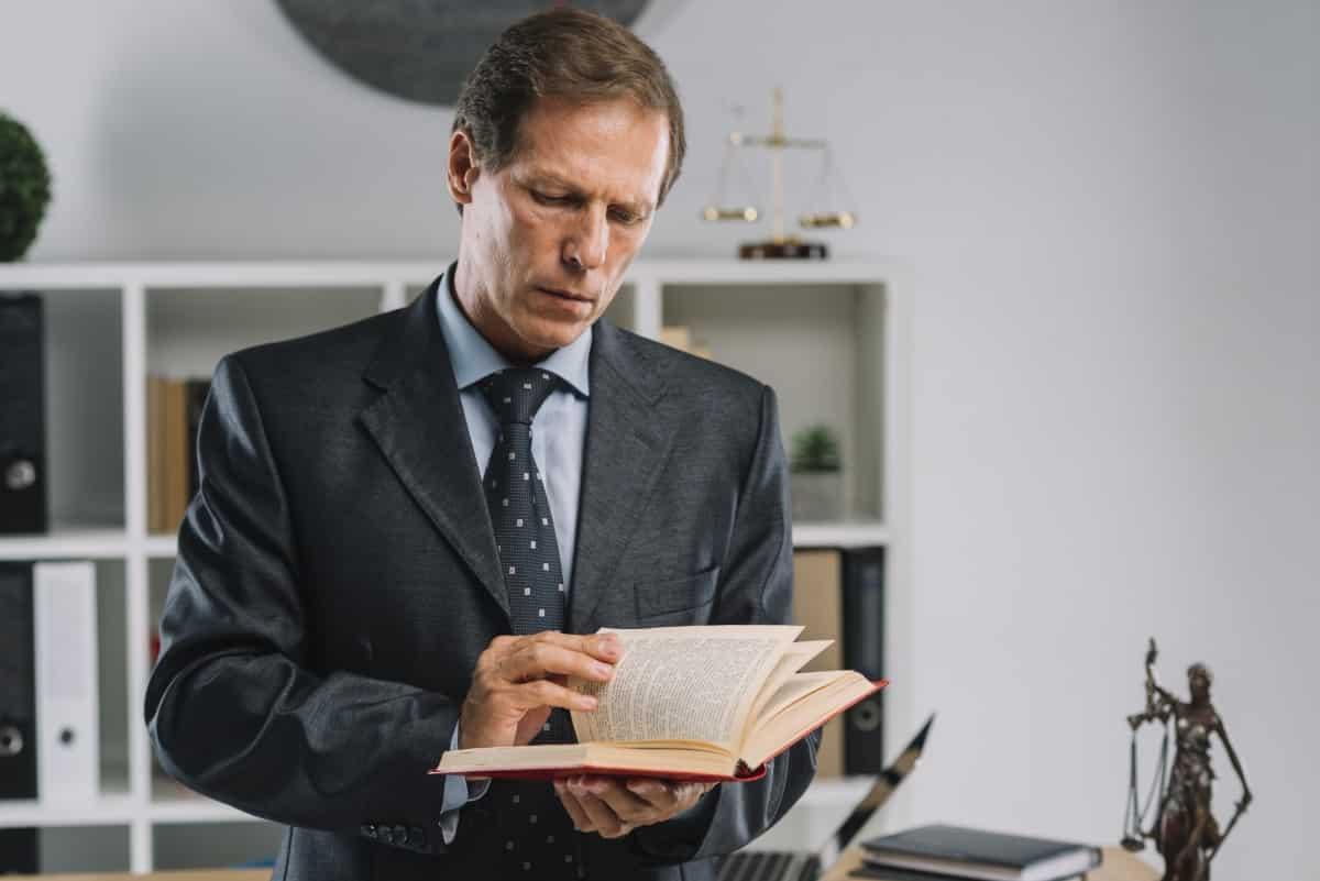 Literatura prawnicza – jakie książki prawnicze warto przeczytać?