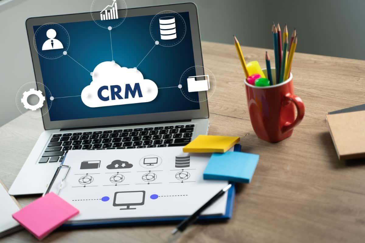 CRM dla kancelarii – co to? Dlaczego kancelaria powinna posiadać system CRM?