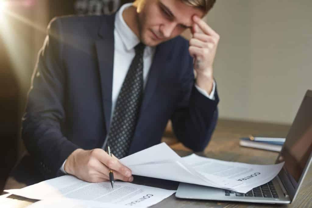 Jakich błędów unikać podczas budowania kariery zawodowej prawnika?