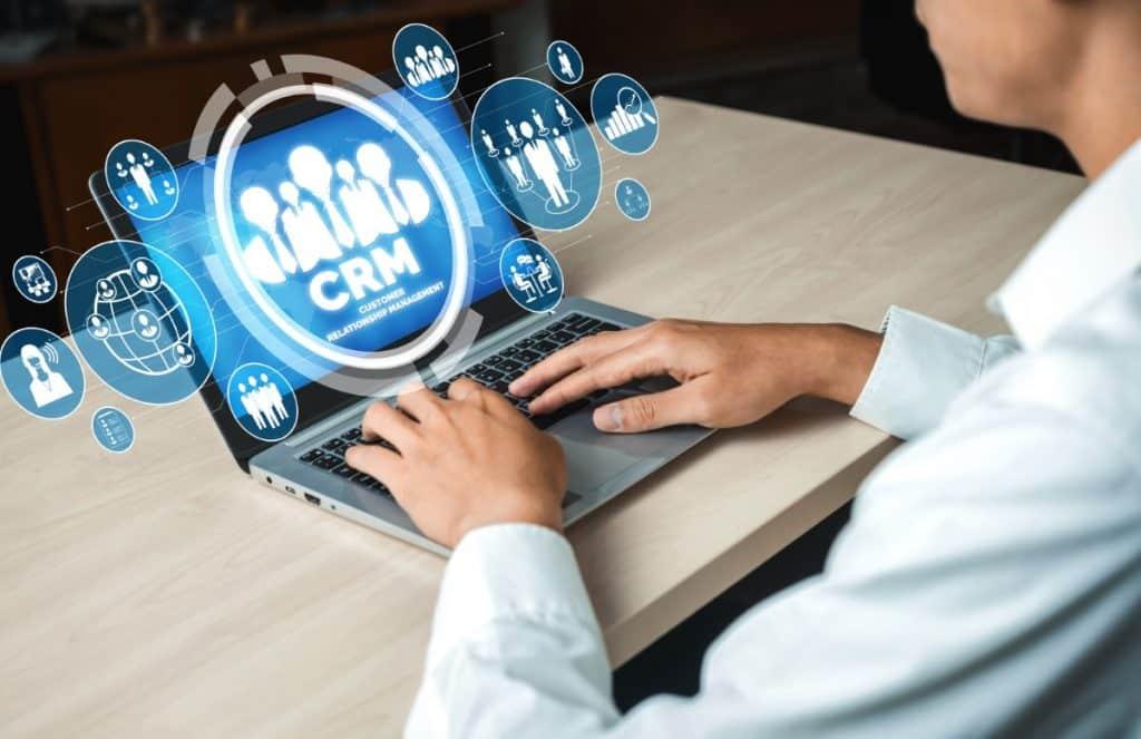 Jakie funkcjonalności powinien posiadać system CRM dla kancelarii?
