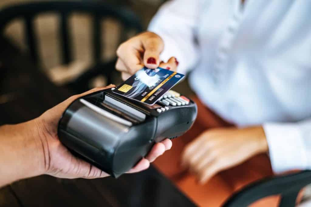 Dlaczego kancelaria prawna powinna posiadać terminal płatniczy?