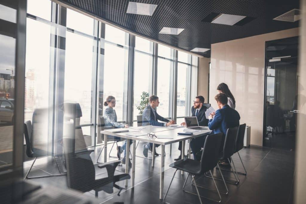 Jak poprawić organizację pracy prawnika w kancelarii?