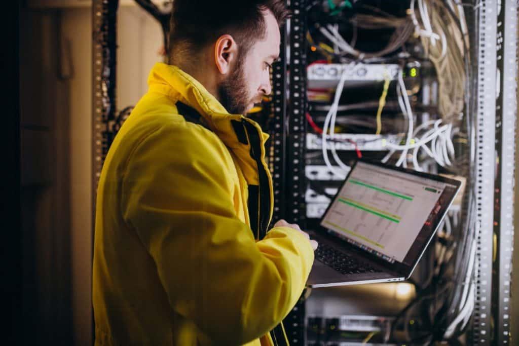 Jakie parametry są kluczowe dla hostingu kancelarii prawnej?