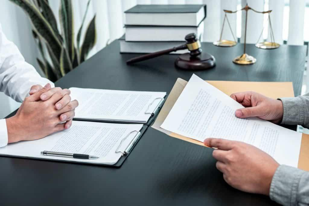 Na czym polega outsourcing usług prawnych?