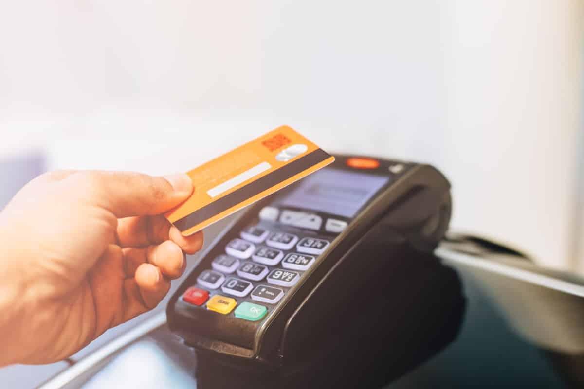 Płatność kartą, blikiem – jakie metody płatności powinna umożliwić kancelaria prawna